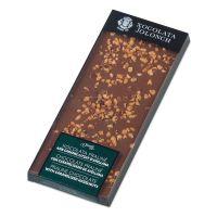 Schokoladenpraline mit karamellisierter Haselnuß