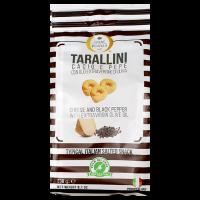 Tarallini mit Olivenöl, Käse und schwarzem Pfeffer